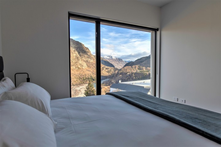 Two Bedroom River View Penthouse with two bathrooms